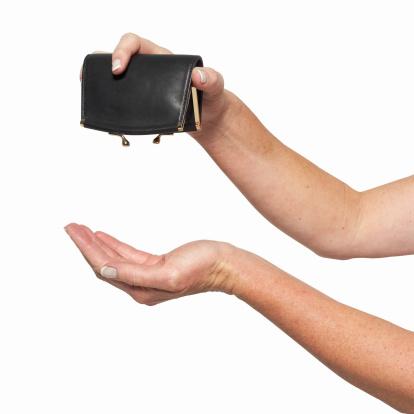 Brauche 900 Euro Blitzkredit sofort aufs Konto